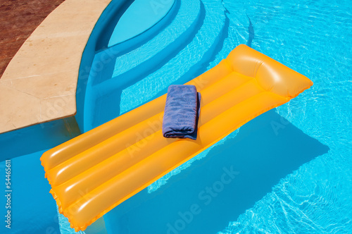 Inflatable mattress with blue towel