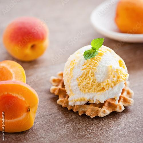 aprikosen-vanille eis