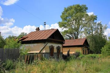 Старый, заброшенный дом