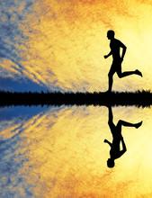 Laufen bei Sonnenuntergang