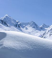 Schneewehe im Gebirge