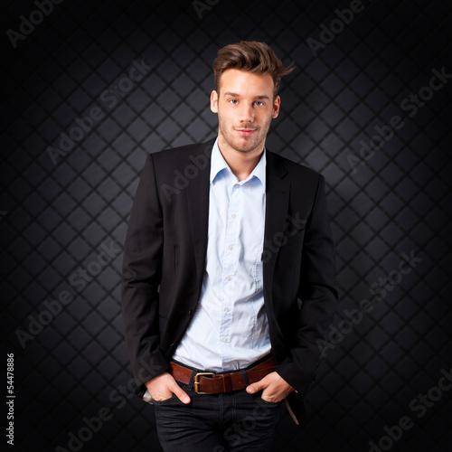 attraktiver junger Mann