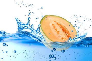 Melon splash in the water