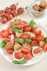 Panzanella, italienischer Brotsalat