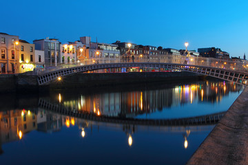 Dublin night scene