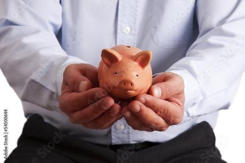 hombre con hucha en las manos