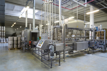 Automatic conveyor in brewery