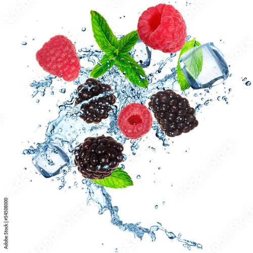 owoce-w-kostce-lodu