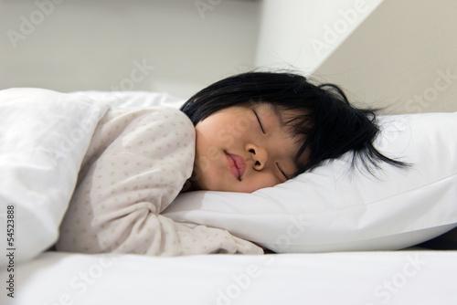 Sleeping child - 54523888