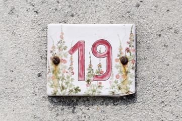 Hausnummer 19