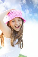 bambina ridendo