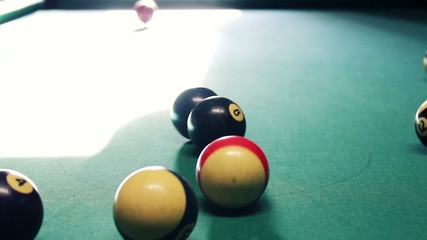 PROFESSINAL PLAYER OF BILLIARD_REVERSE FIRST PITCH