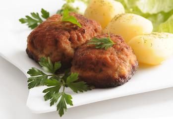 Kotlet mielony z ziemniakami