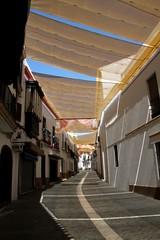 Ruelle ombragée de Carmona, Andalousie