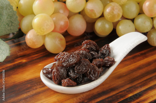 Raisins and grapes