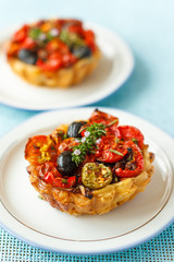 olive and tomato tart