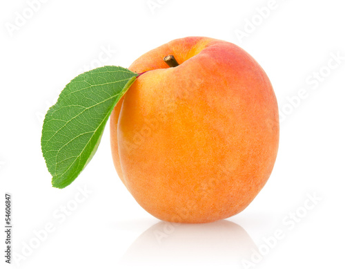 Papiers peints Magasin alimentation Single Apricot with Leaf Isolated on White Background