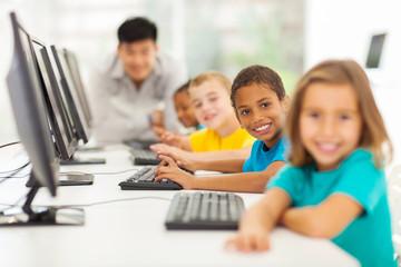 children in computer class