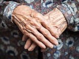 Very old woman hands