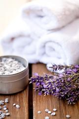 frischer lavendel und badesalz handtücher körperpflege