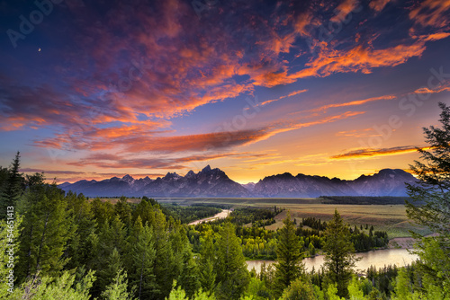 Summer Sunset at Snake River Overlook © dfikar
