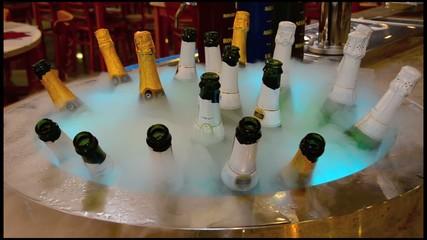 Botellas de bebida en frio