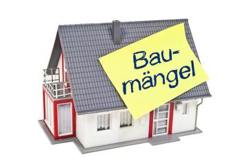 Haus mit Zettel und Baumängel