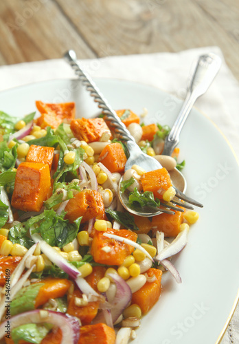 Mexican cuisine: Three Sisters Salad