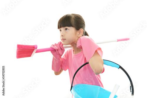 お掃除をする女の子