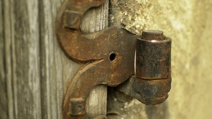 architectural detail iron hinge tilt up
