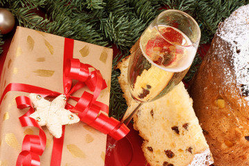 Panettone and Spumante, the italian Christmas tradition