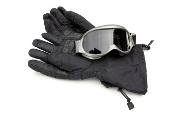 skii gloves and goggles