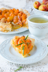 Tart with apricot , cheese and honey