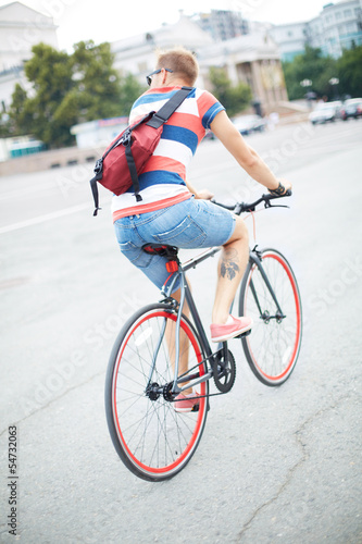 Bicyclist in the city