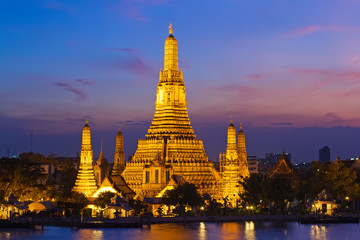 wat arun in sunset, Bangkok Thailand