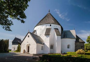 Die Kirche Osterlars Kirke auf Bornholm