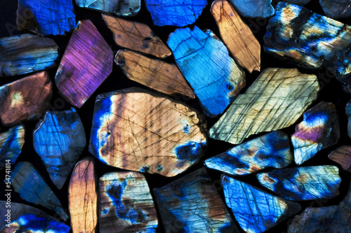 Many colorful natural labradorite gem stones. - 54741814