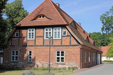 Gebäude im Klosterpark Dobbertin (Mecklenburg-Vorpommern)
