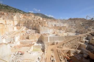 Cava di granito ad Orosei sull'isola di Sardegna