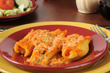 Stuffed pasta shells with salad