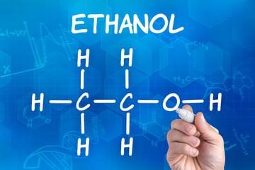 Hand  zeichnet chemische Strukturformel von Ethanol