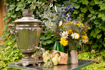 samovar, apples and flowers still life