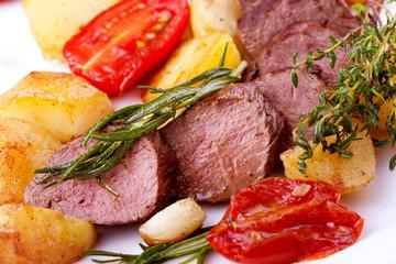 Mediterrane Küche - Saftige Filet-Medaillons
