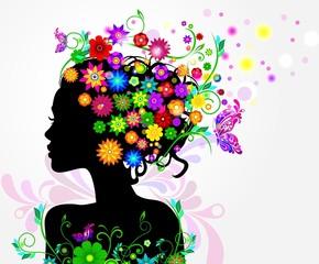 Девушка с цветами и бабочками в прическе