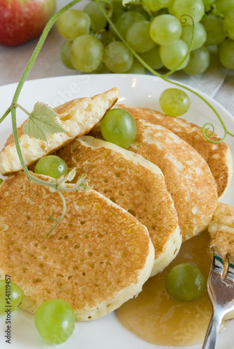 pancakes with grapes