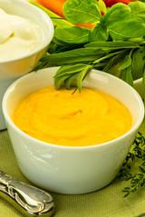 Dip aus Mango und Süßkartoffeln