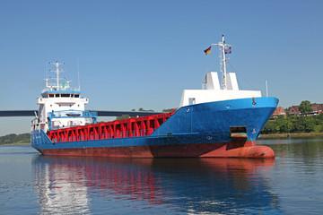 Frachtschiff auf dem Kiel Canal