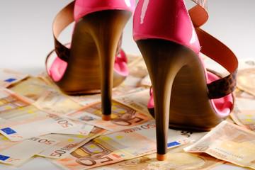 high heels mit geldscheine 11
