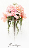 Floristic composition from pink carnations and orchids