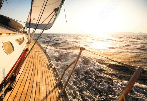 Yacht, sailing regatta. © De Visu